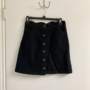 Francesca's Black Scallop Mini Skirt